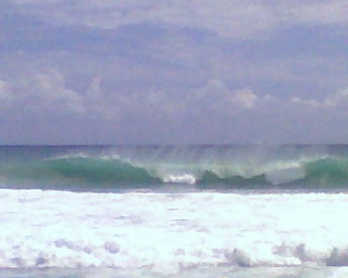 Surf at Flies, Oahu, Hawaii by Dr. Shine 2007